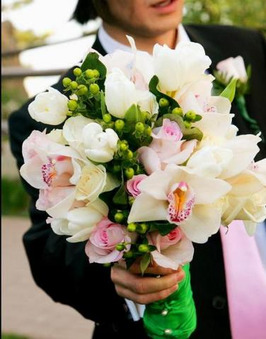 The Tan Wedding searching for a Lake Arrowhead Florist?