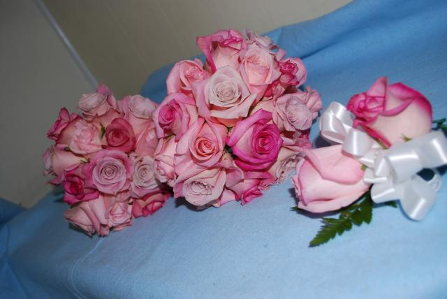 Perez Wedding gives you Pink in a number of Rose Bouquets